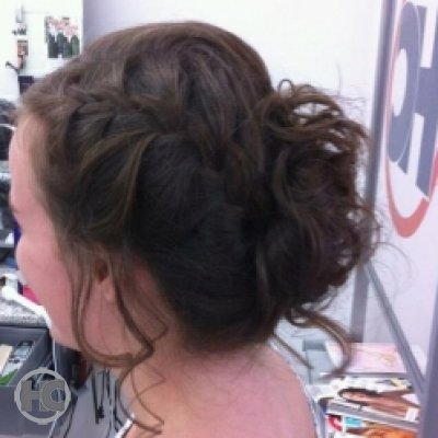 carefree-updo hairstyle