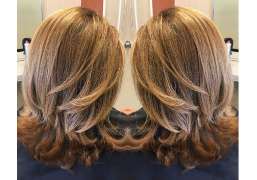 Honey blonde haircolor