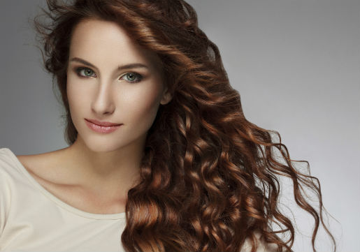 Brunette woman with wavy hair