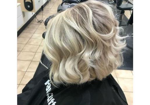 Blonde wavy long bob