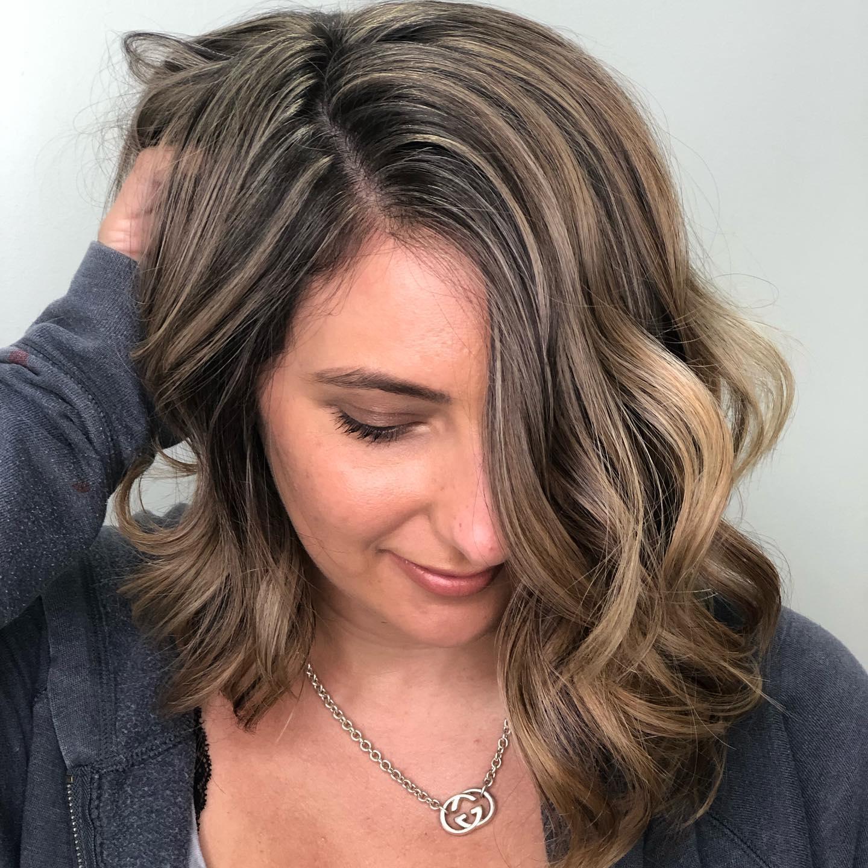 Honey bronde hair on medium hair