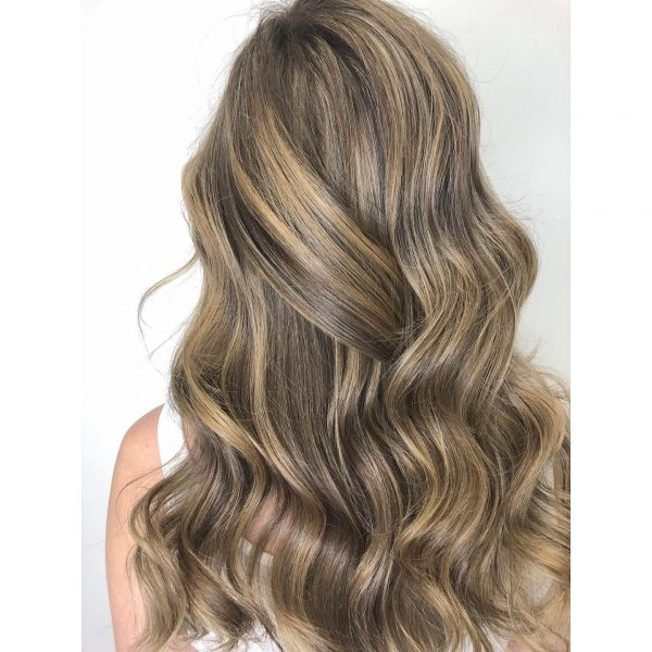 hair color guide young woman with bronde balayage